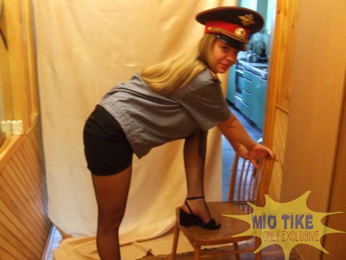 Девушки милиции (полиции) в откровенном виде (37 фото)