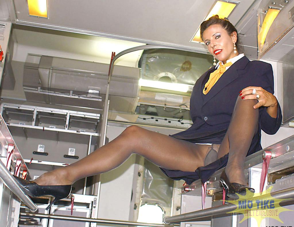 Фото порно стюардесс в колготках