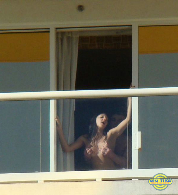 Подглядывание в чужие окна