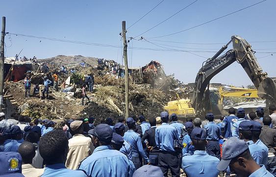 Жертвами лавины из мусора в Эфиопии стали 48 человек