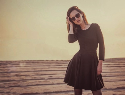 Маленькое черное платье, как носить, какие аксессуары подбирать