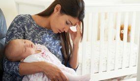 Послеродовая депрессия, признаки, последствия