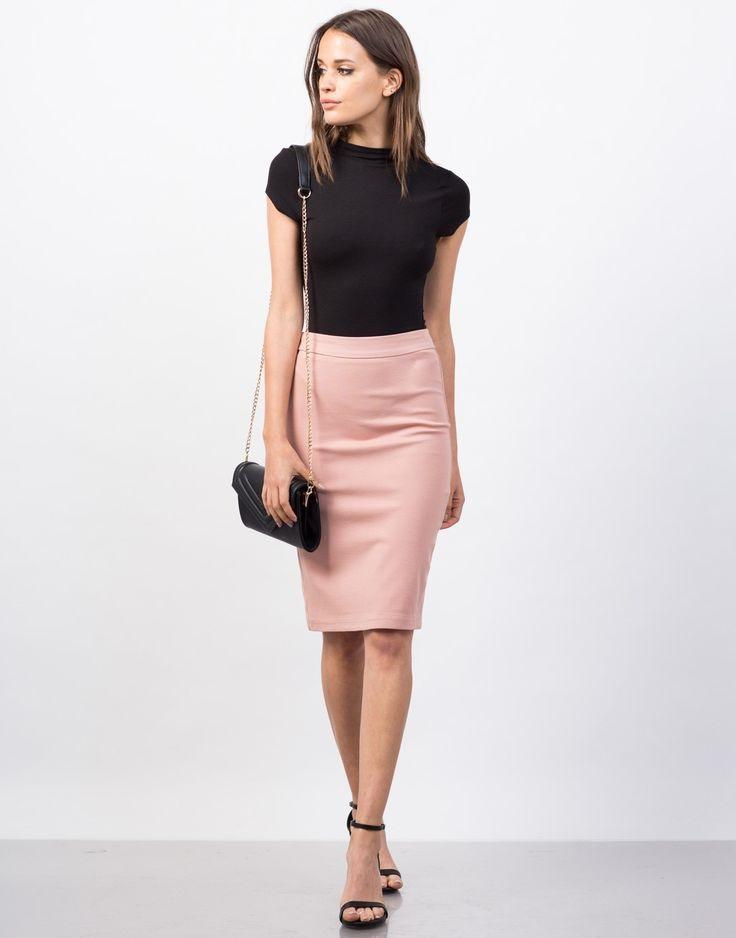 юбка-карандаш в гардеробе женщины