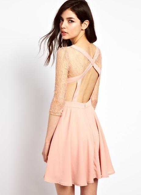 платье с открытой спиной в гардеробе девушки