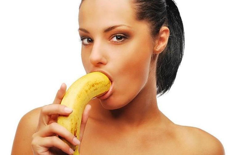 Нужно ли глотать сперму после минета