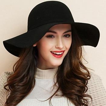с чем нужно носить шляпу летом