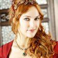 Актрису Мерьем Узерли в Петербурге преследуют поклонники