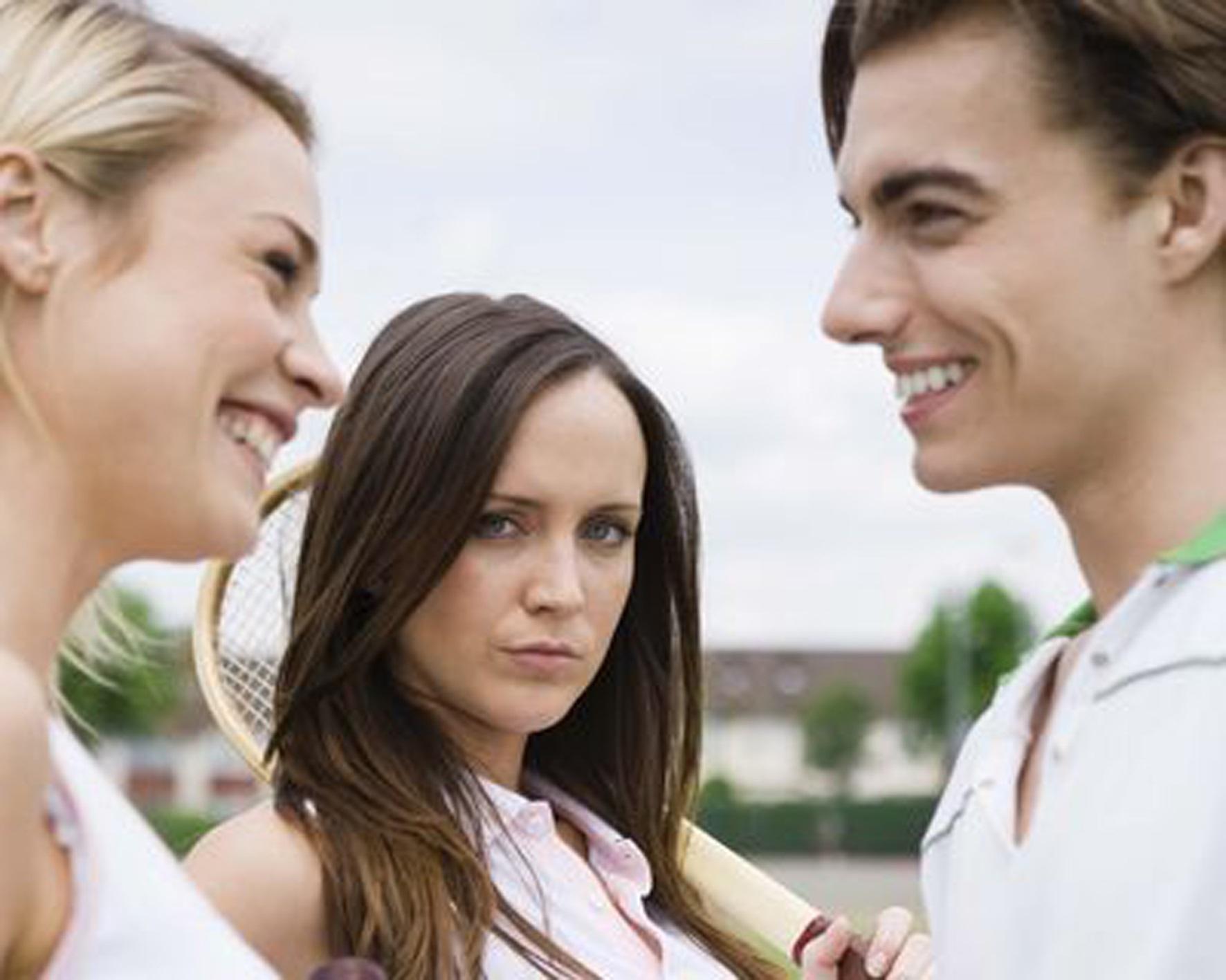 как реагировать на дружбу мужа с женщиной