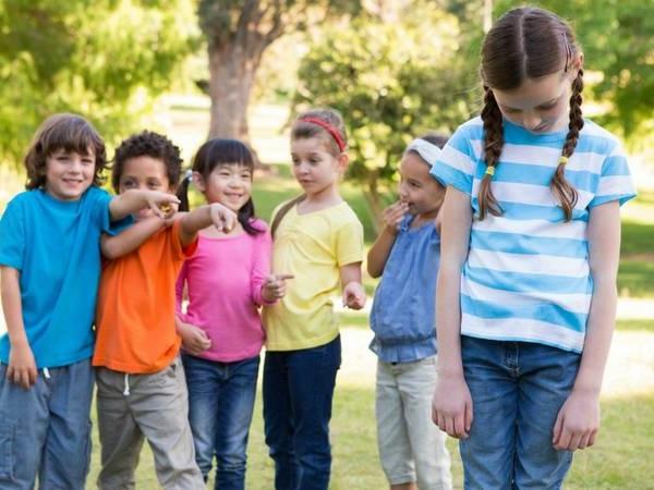ребенка дразнят в школе, как ему помочь