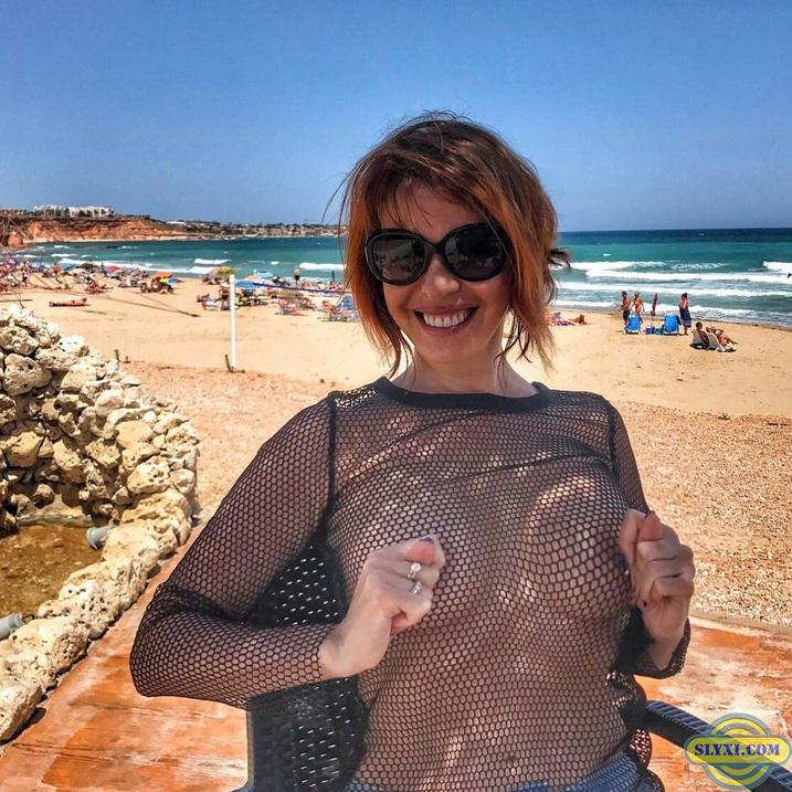 Наталья Штурм в топлесс в Болгарии