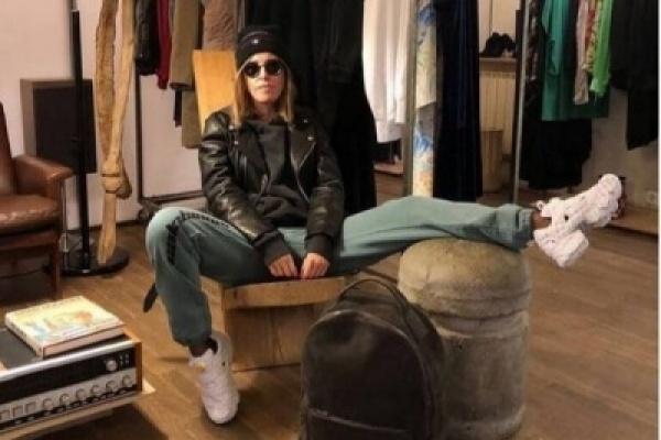 """Ксения Собчак продолжает рекламировать одежду в """"Инстаграм"""""""