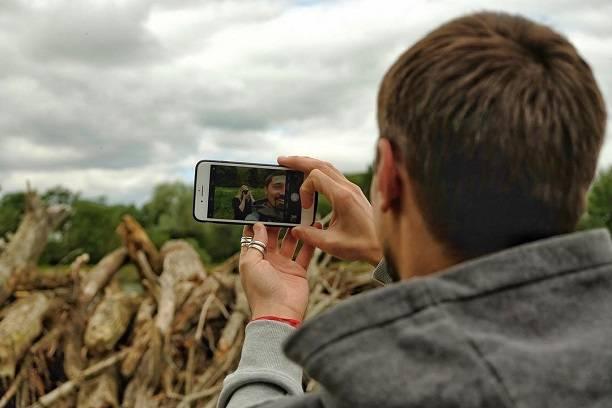 Дима Билан засветил на фото своего друга