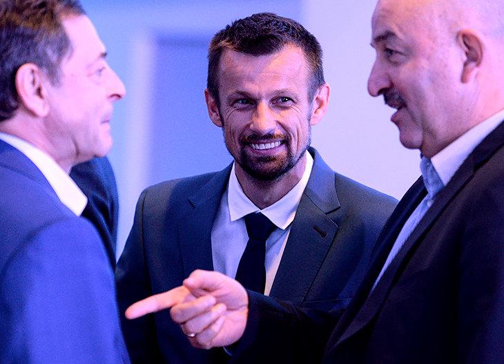 «Зенит» устроил шоу из выборов нового тренера. Кандидаты не в курсе