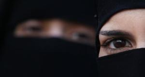 """""""Любовь зла"""": 18-летняя девушка влюбилась в боевика ИГ* и устроила теракт"""