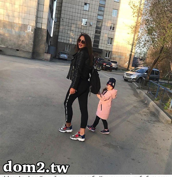 Александра Шева заскучала без дочки