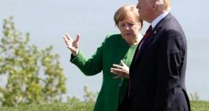 Трамп кидал конфеты в сторону Меркель во время встречи G7