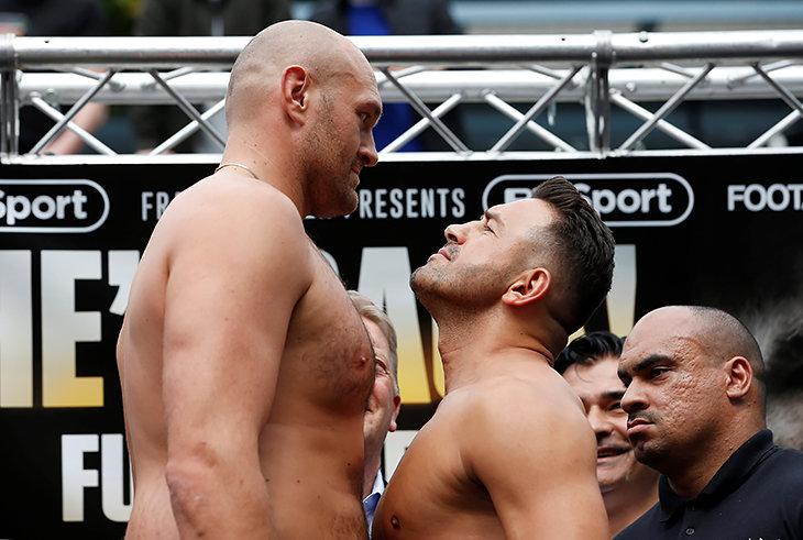 Фьюри возвращается в бокс. Его соперник весит меньше на 30 кг