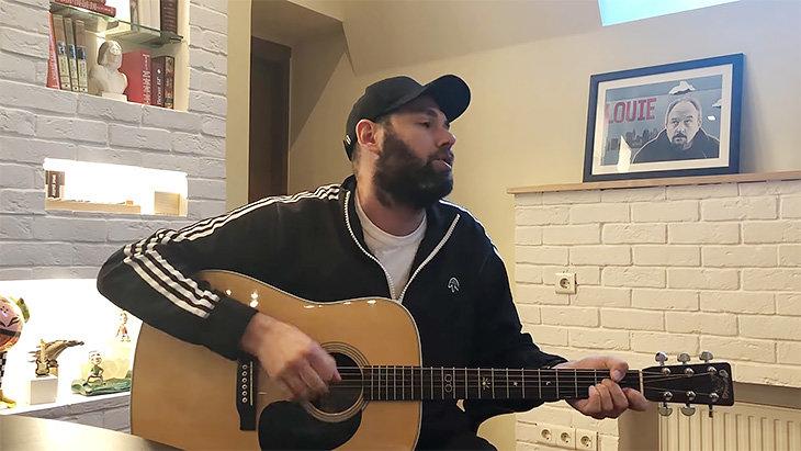 Слепаков спел про ЧМ. Чеченский министр просит извинений, но Кадырову понравилось