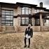 Дмитрий Тарасов продает дом, доставшийся ему после развода с Ольгой Бузовой
