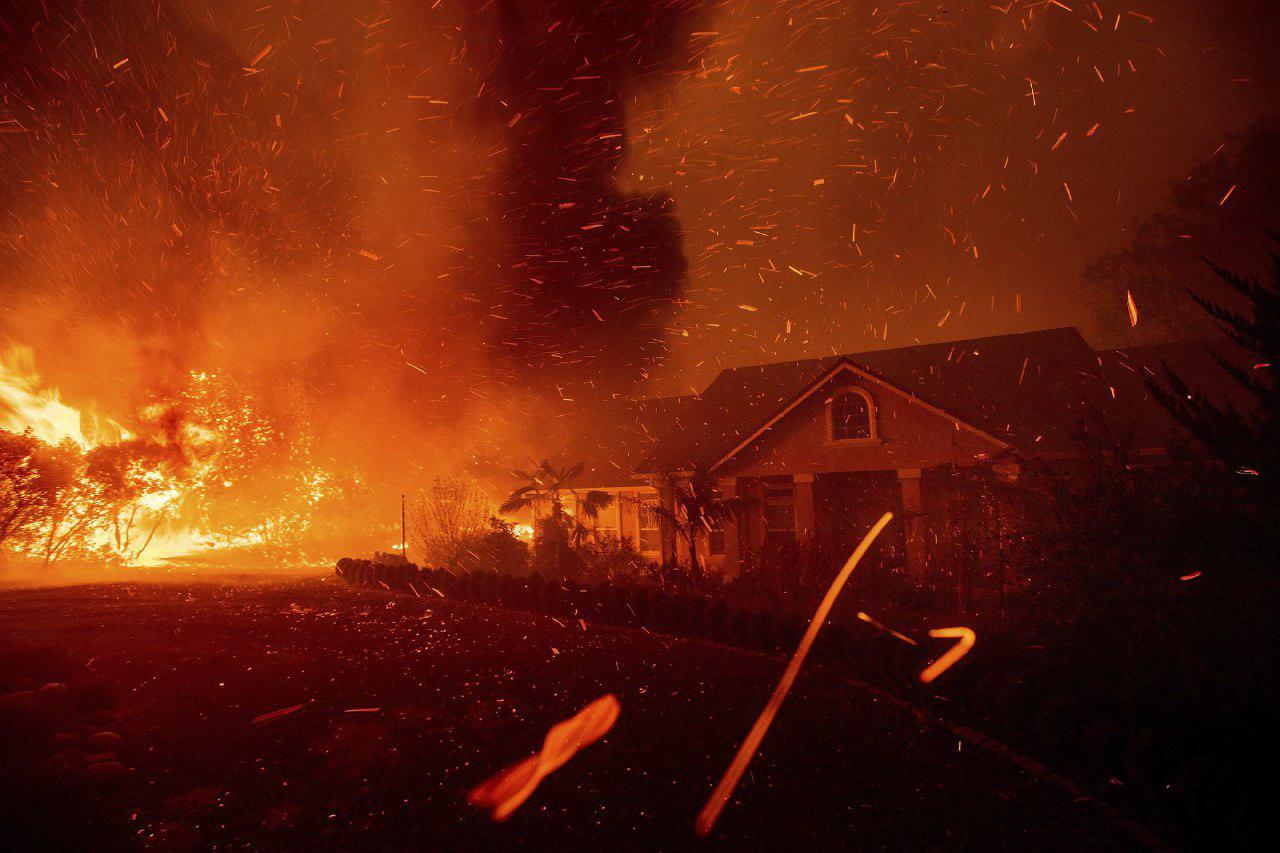 фото пожар уничтожил город Парадайс
