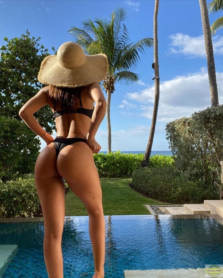 Yanet Garcia в купальнике