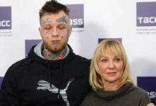 Photo of Сын актрисы Яковлевой рассказал, что живет на деньги родителей