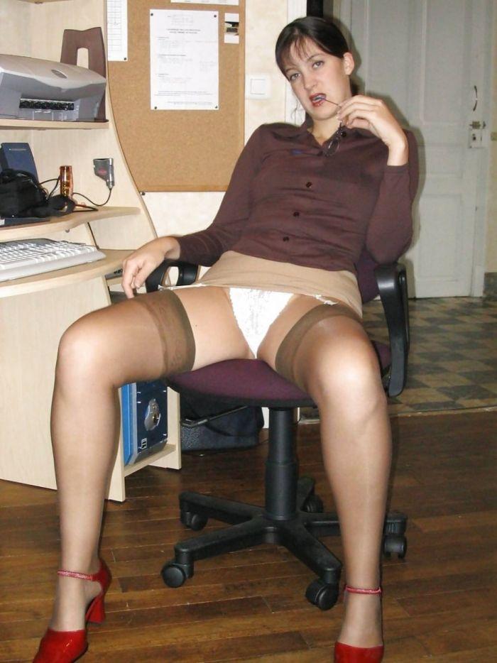 Засветы девушек на работе
